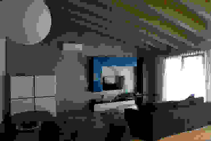 zona giorno Soggiorno minimalista di Marcello Cesini Architetto Minimalista