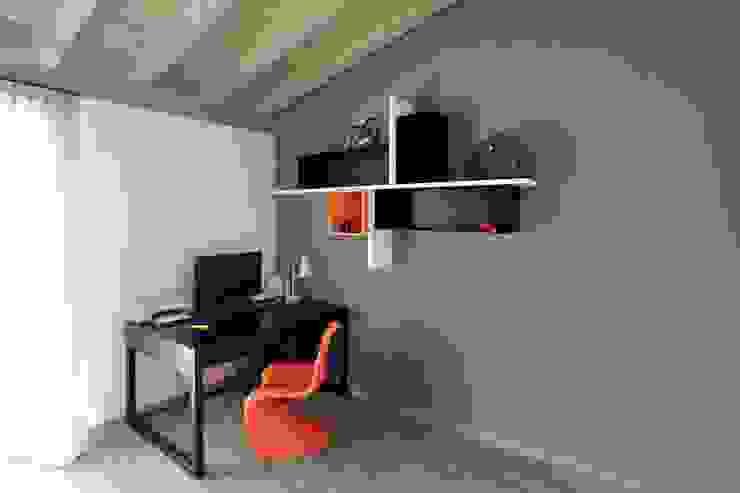 studio Marcello Cesini Architetto Studio minimalista Ferro / Acciaio Arancio