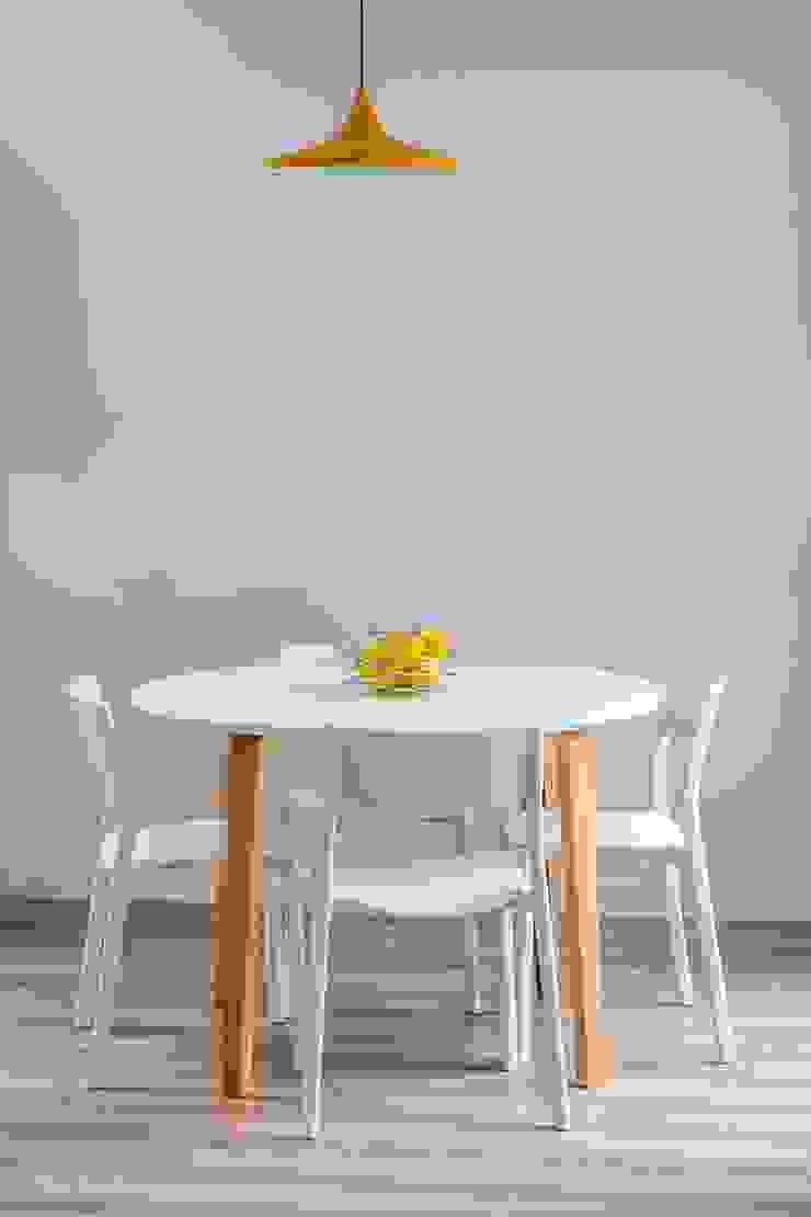 Phòng ăn phong cách hiện đại bởi 08023 Architects Hiện đại