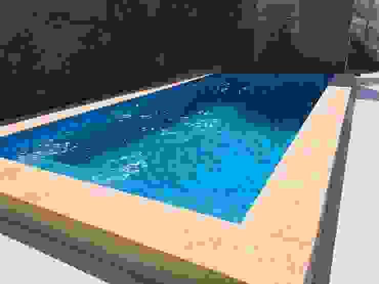 de Triptico Diseño y Construcción Mediterráneo