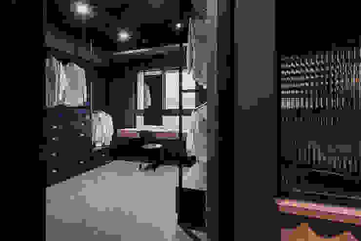 漢玥室內設計 Spogliatoio moderno Nero