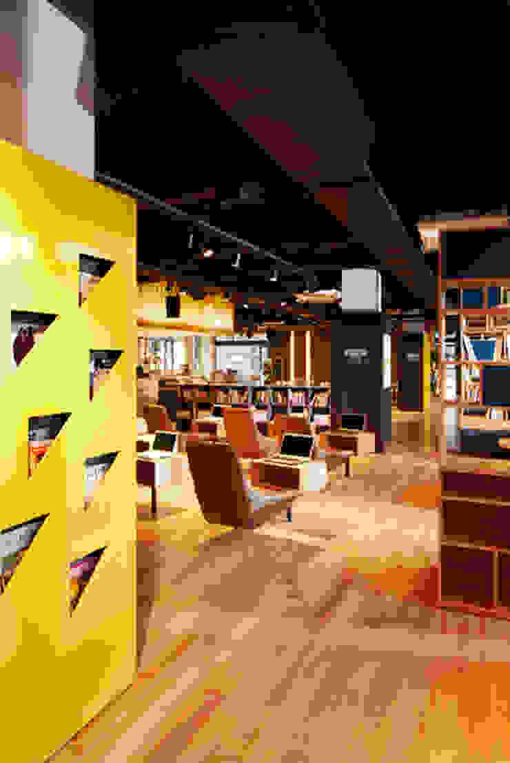 북카페(Book Cafe) 스칸디나비아 스타일 바 & 클럽 by 안주영디자인연구소 북유럽 우드 우드 그레인