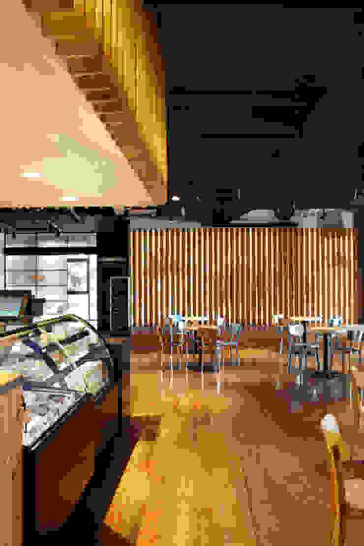 바카운터와 무대(Bar Counter & Stage) 스칸디나비아 스타일 바 & 클럽 by 안주영디자인연구소 북유럽 콘크리트