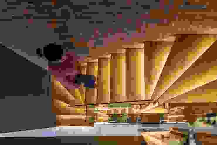 ofis merdiven Pİ METAL TASARIM MERDİVEN Modern Masif Ahşap Rengarenk