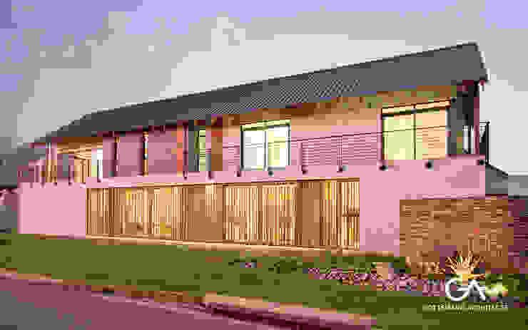 Avant-Garde Farmhouse by Gottsmann Architects Country