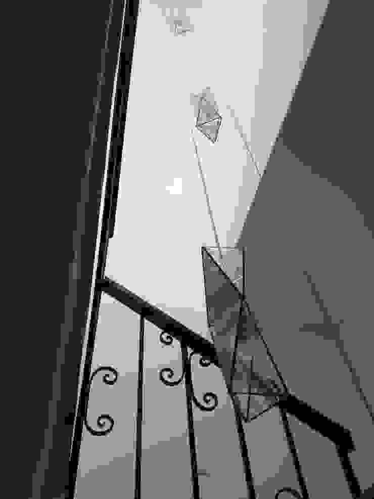 Lamparas geometricas en cubo de escalera MKVidrio Escaleras Vidrio Transparente