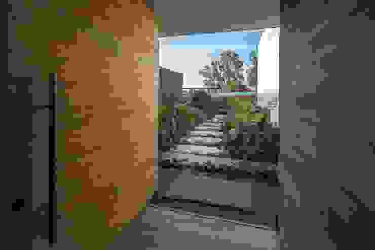 Casa La Juanita Casas modernas de LlanoArquitectos Moderno