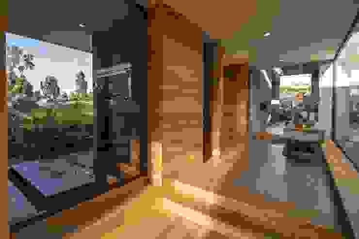 Casa La Juanita Casas modernas de LlanoArquitectos Moderno Concreto