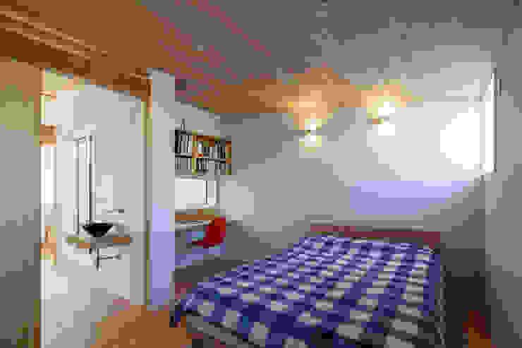 HAN環境・建築設計事務所 Modern style bedroom White