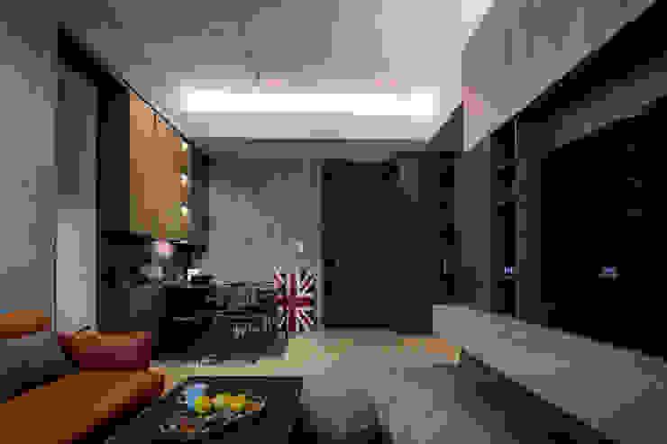 香港清水灣道傲瀧 现代客厅設計點子、靈感 & 圖片 根據 STYLE Design & Project Ltd. 現代風 水泥