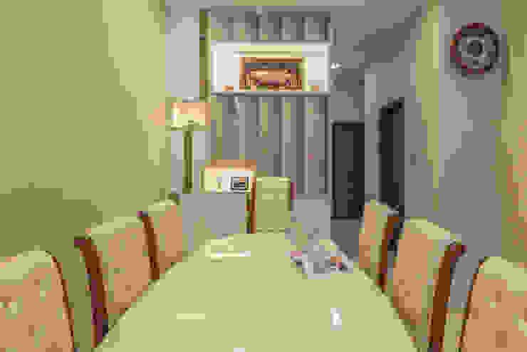 Project : 151 Onan Road E modern Interior Design Dining roomAccessories & decoration