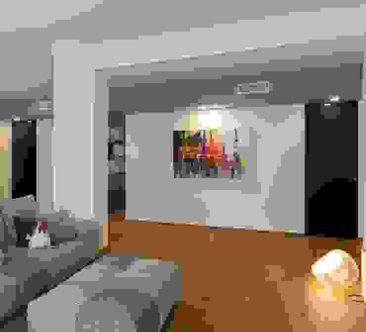 zona Tortona ristrutturami Soggiorno moderno Legno Grigio