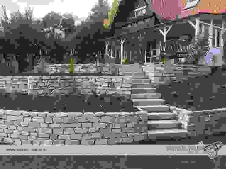 Steinmauern mit Stufenanlage Gartengestaltung Janisch Moderner Garten Stein