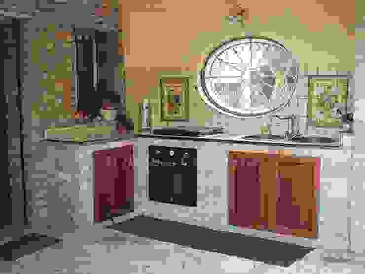Ceramiche Il Rustico Caltagirone Built-in kitchens Stone Beige
