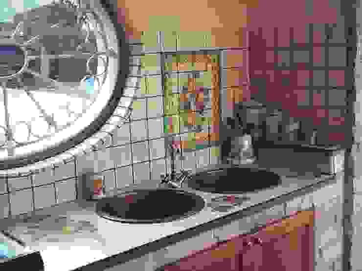 Ceramiche Il Rustico Caltagirone Built-in kitchens Stone White
