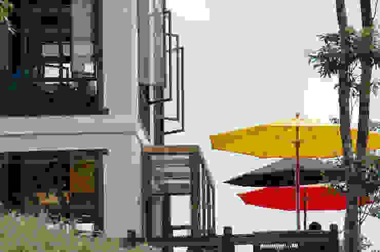 薰衣草森林-尖石 根據 居林木構建築|木屋設計|木屋建造|木屋保養|整體規劃設計營建 北歐風 實木 Multicolored