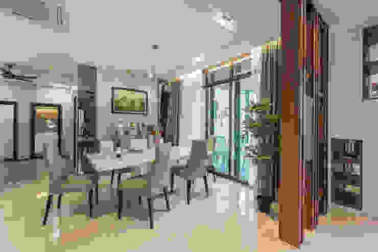 SETIA UTAMA 3-STOREY CLUSTER HOME Simsan Design Modern dining room
