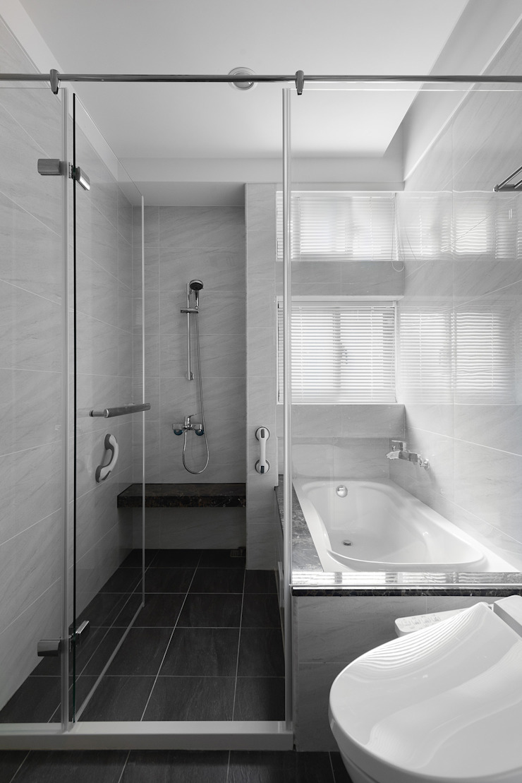 延伸 現代浴室設計點子、靈感&圖片 根據 極品家室內裝修設計工程有限公司 現代風