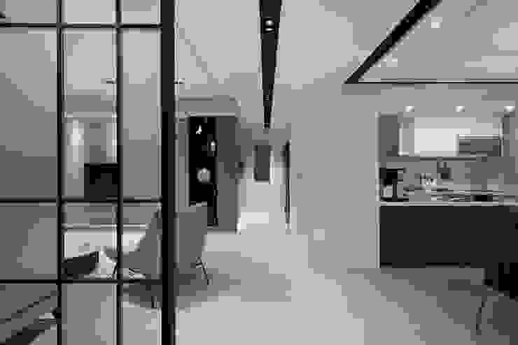 延伸 現代風玄關、走廊與階梯 根據 極品家室內裝修設計工程有限公司 現代風