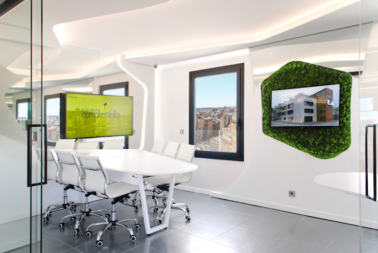 MANUEL TORRES DESIGN Kantor & Toko Modern White