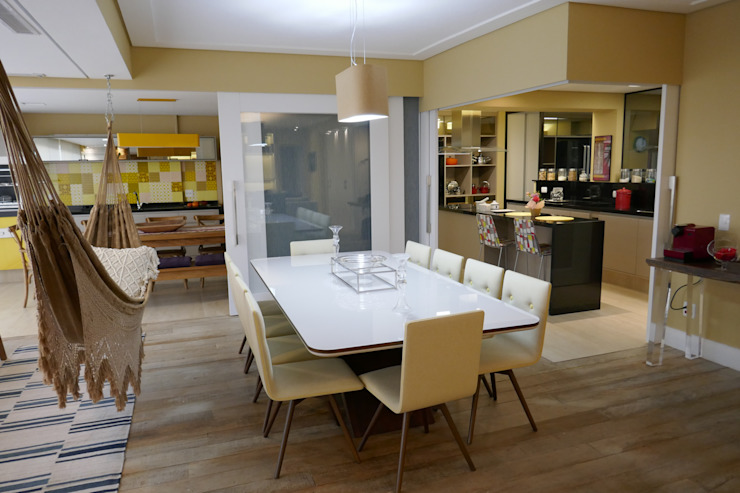 Tikkanen arquitetura Modern dining room