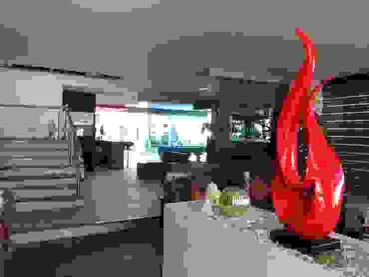 Lobby de Acceso de CESAR MONCADA SALAZAR (L2M ARQUITECTOS S DE RL DE CV) Moderno