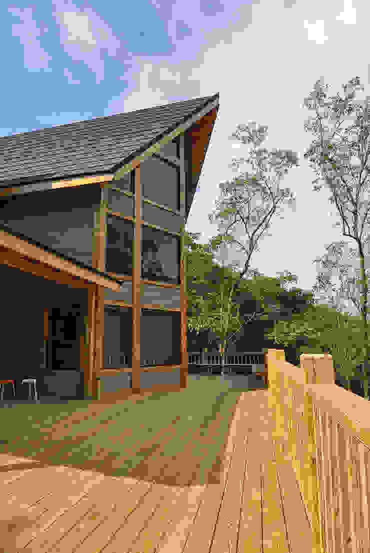 苗栗銅鑼-張公館 根據 居林木構建築|木屋設計|木屋建造|木屋保養|整體規劃設計營建 現代風 實木 Multicolored