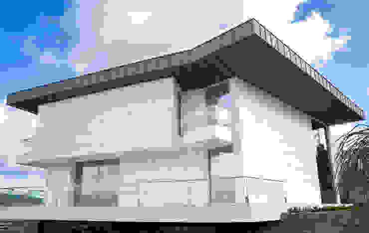 Mundartificial Minimalist houses Aluminium/Zinc Grey