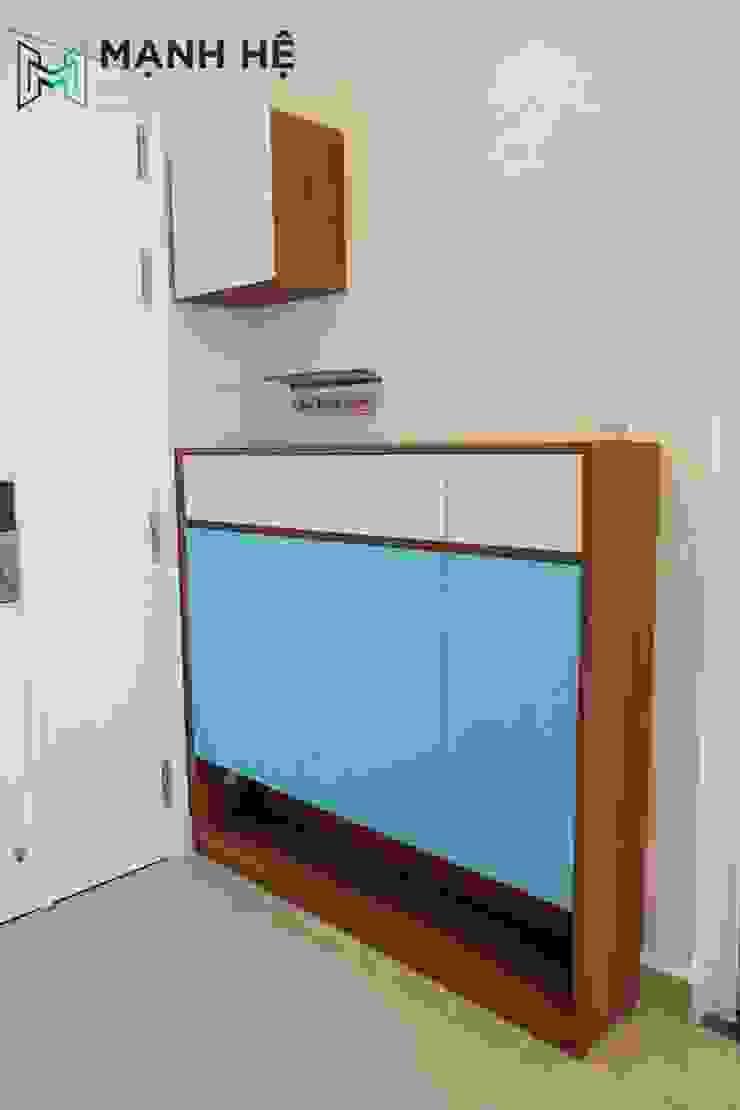 Sản xuất tủ giày bằng gỗ, cánh tủ màu xanh nổi bật bởi Công ty TNHH Nội Thất Mạnh Hệ Hiện đại