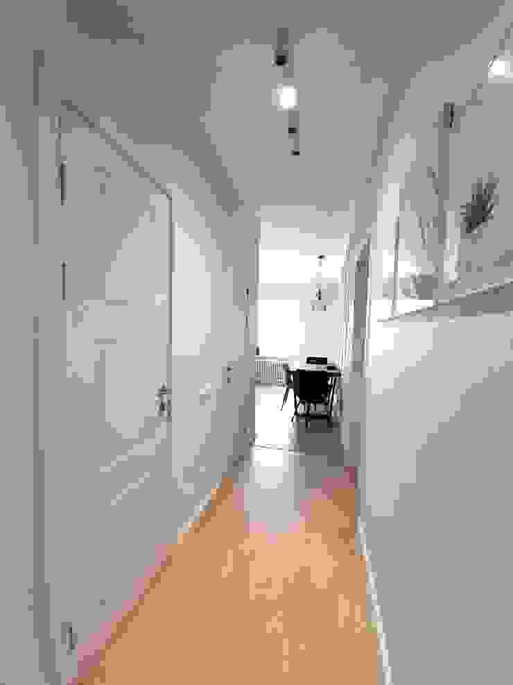 ANDO Koridor & Tangga Modern