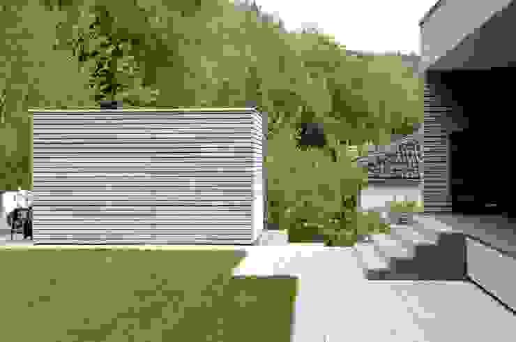 ArchitekturwerkstaTT by Tobias Tschorn Casetas de jardín
