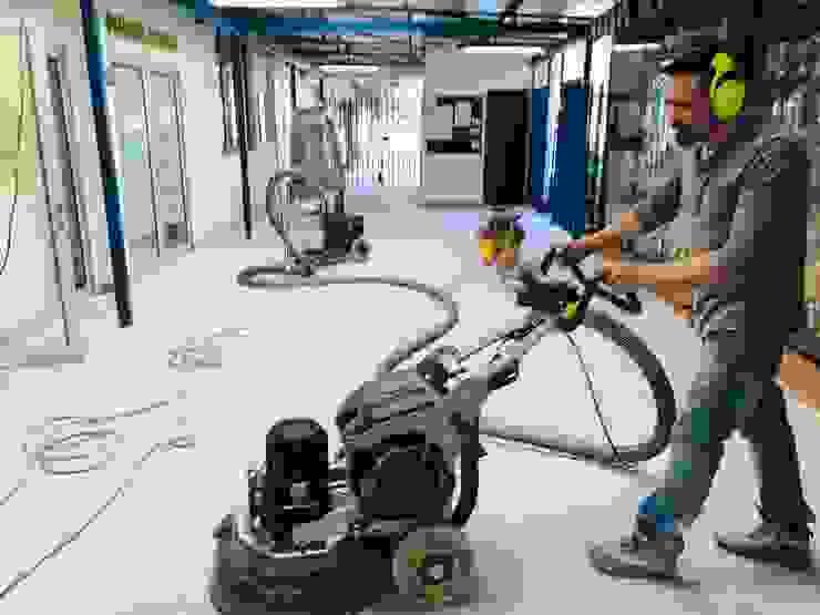 Proceso de pulido diamantado de RAISED Consulting & Concrete Floors Moderno Cerámico