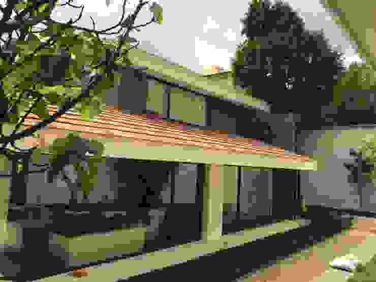 Fachada principal Casas modernas de CESAR MONCADA SALAZAR (L2M ARQUITECTOS S DE RL DE CV) Moderno