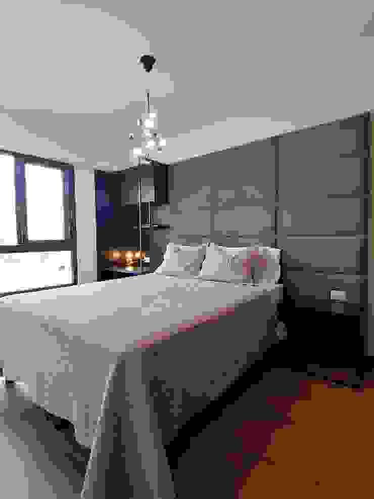 Dormitorio en grises y negro de Infinita Estudio Moderno