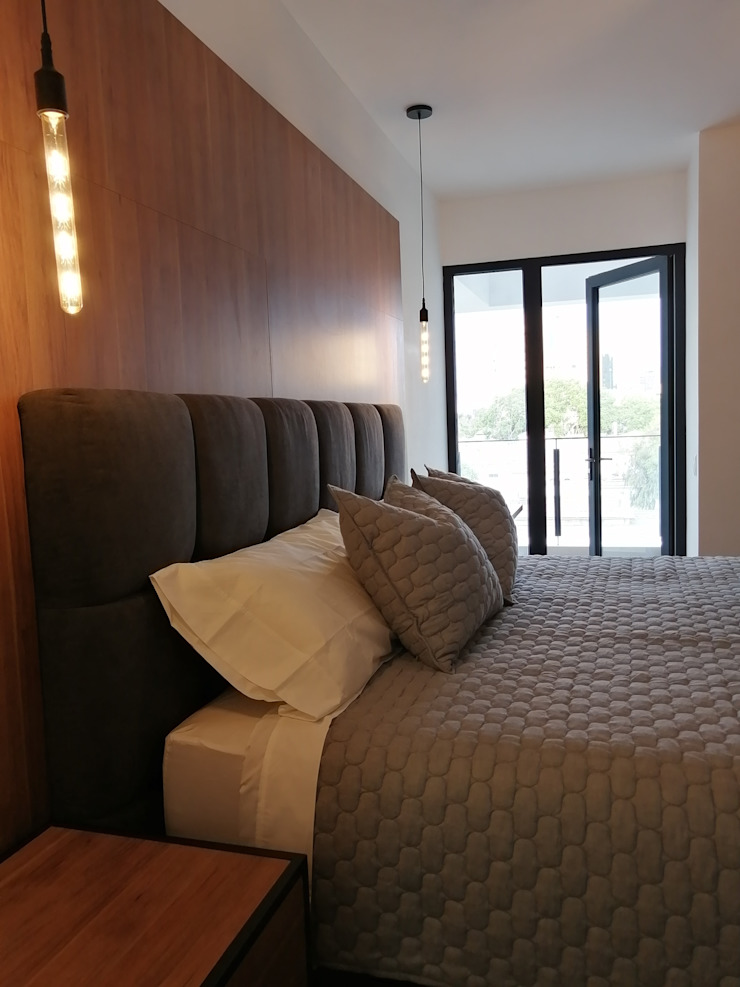 Dormitorio de Infinita Estudio Moderno Derivados de madera Transparente