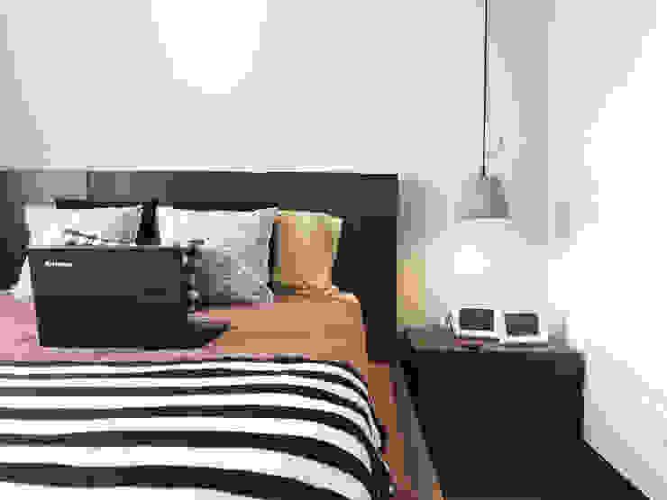 Unpretencious Space @ Hijauan Saujana Condominium DCS CREATIVES SDN. BHD. Scandinavian style bedroom
