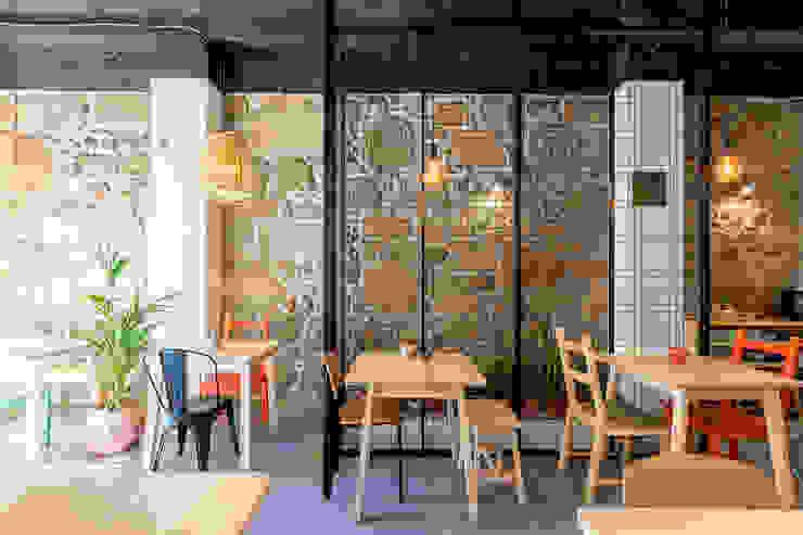 Qiarq . arquitectura+design Industrial style gastronomy Stone Beige