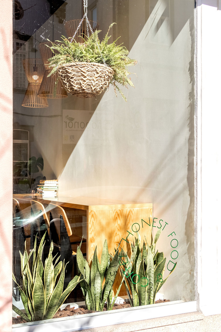 Qiarq . arquitectura+design Mediterranean style gastronomy Wood Amber/Gold