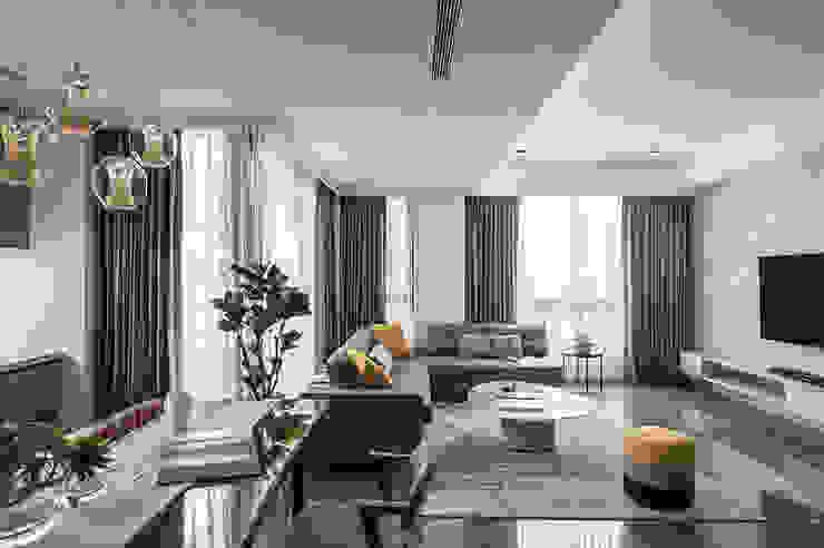 台中。築夢 现代客厅設計點子、靈感 & 圖片 根據 天埕設計 現代風