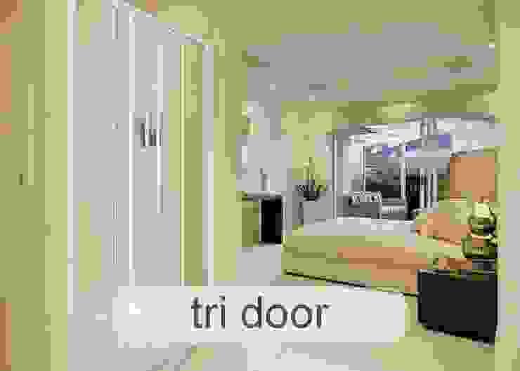 Aluminium Shower Door - Tri-Door style Minimal style Bathroom by Origin Aluminium Group Holdings (Pty) Ltd Minimalist Aluminium/Zinc