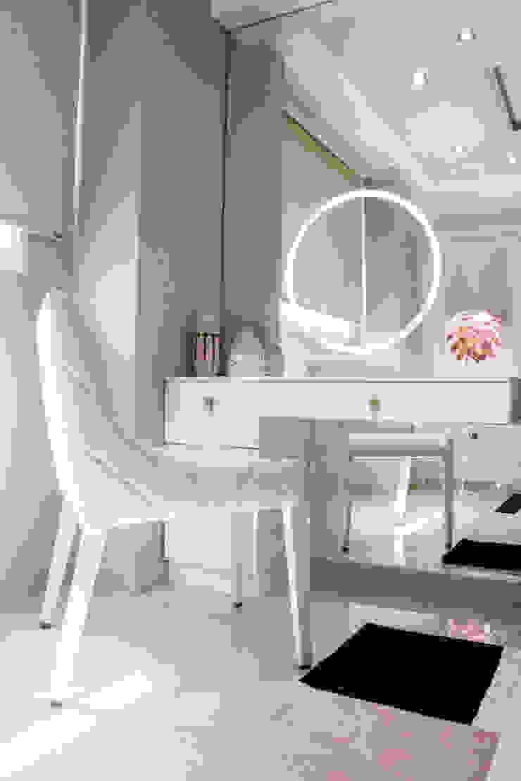 Area de maquillaje Cuartos de estilo moderno de Arq Renny Molina Moderno