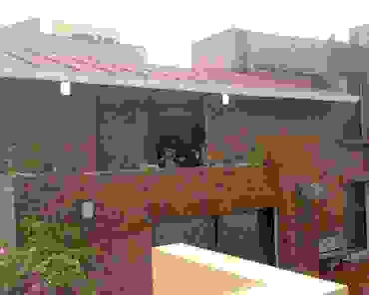 Terraza Casas rústicas de CESAR MONCADA SALAZAR (L2M ARQUITECTOS S DE RL DE CV) Rústico