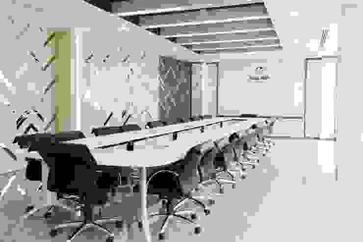 Meeting room and office space design โดย Inthenorth Design Co.,ltd โมเดิร์น ไม้ Wood effect