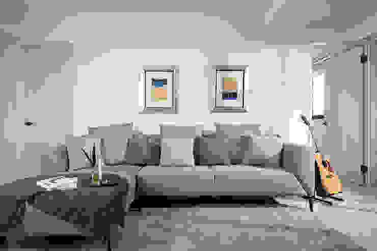 花·見 现代客厅設計點子、靈感 & 圖片 根據 知域設計 現代風