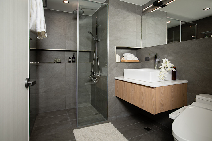 花·見 現代浴室設計點子、靈感&圖片 根據 知域設計 現代風
