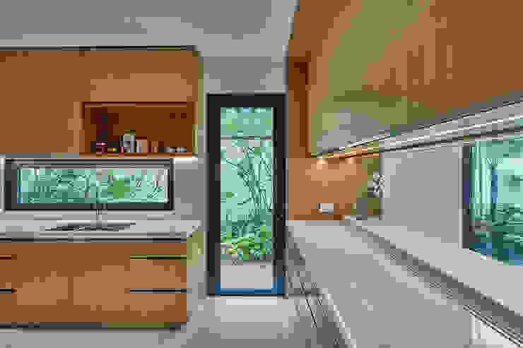 House at Sembawang Atelier M+A Modern kitchen
