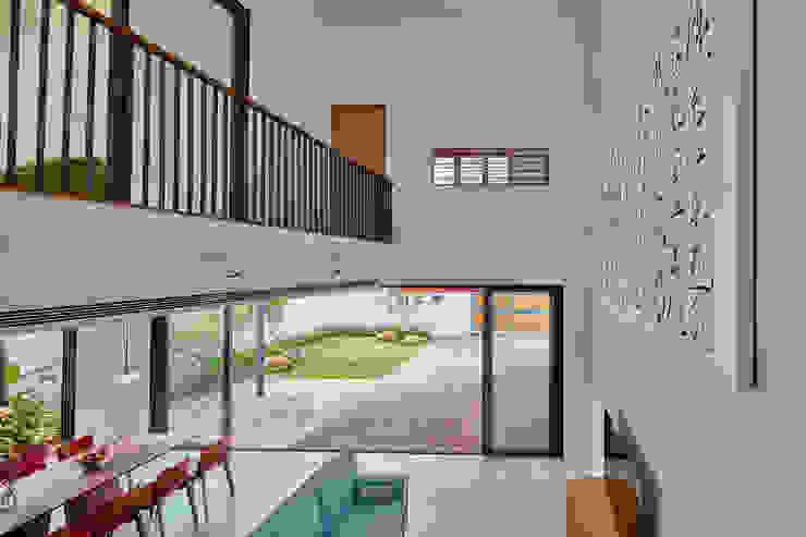 House at Sembawang Atelier M+A Modern living room