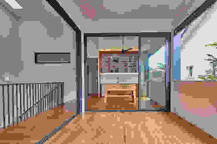 House at Sembawang Atelier M+A Modern balcony, veranda & terrace