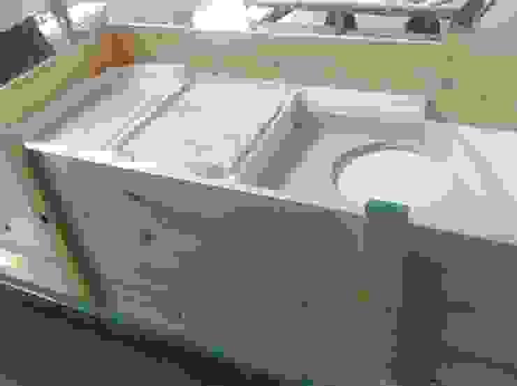 INDAMAR SRL Classic style bathroom Stone White