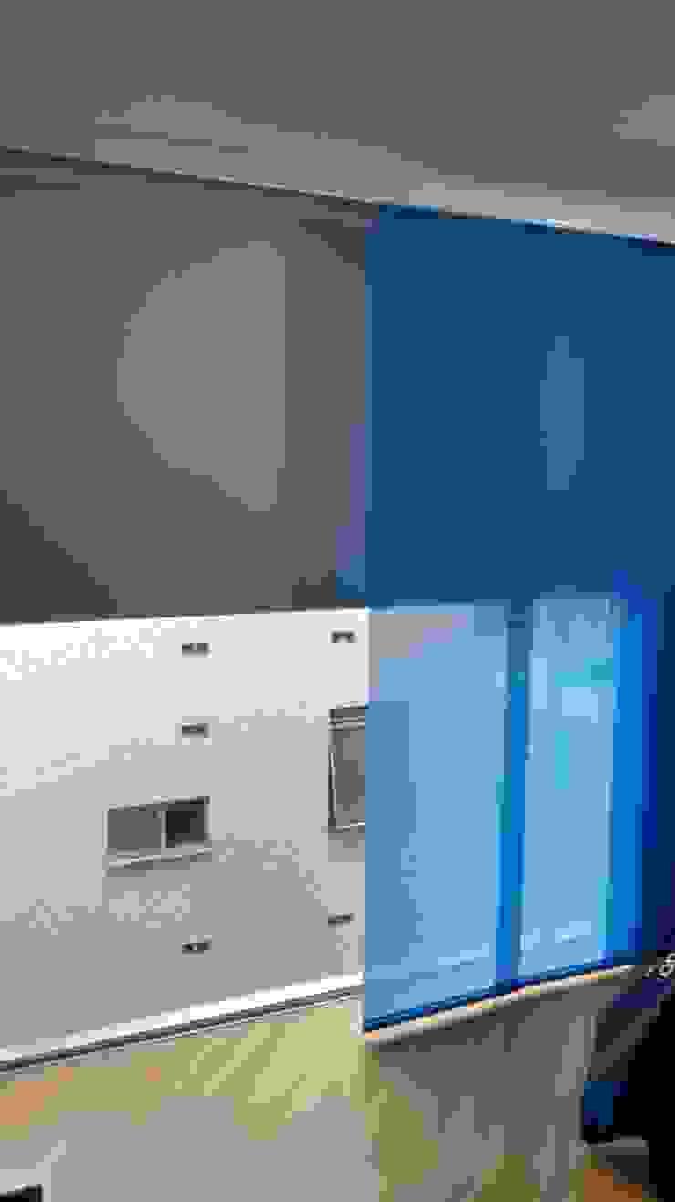 PANEL JAPONES Y BLACK OUT ENROLLABLE Habitaciones modernas de CORTINAS & DISEÑOS S.A.S Moderno